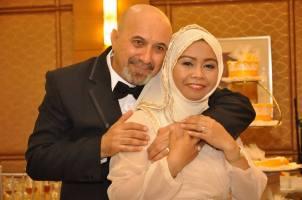 Fatima (Filipina) and her husband (Iraqi).